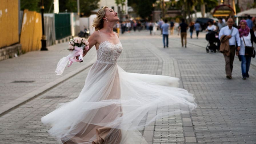 Bride Enjoying The Streets of Istanbul