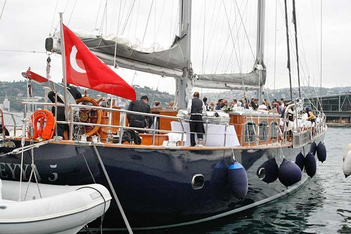 Istanbul Wedding Bosphorus Boat Trip